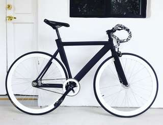 """FIXIE 26"""" TRACK FRAME OFF WHITE SPECIAL Coaster Brake Fixed Gear Free Gear Flip Flop Hub 9Kg Only (PM for more details)"""