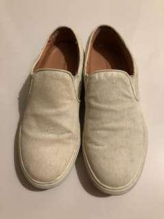 Zara: Horse Hair creamy white slip on shoes (Similar Style to Vans)