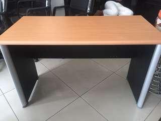 Meja Kantor/Belajar