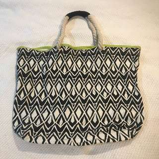 Cotton On Tribal printed beach shoulder bag