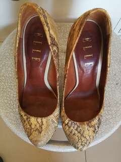 ELLE snakeskin leather pumps size 5.5 to 6