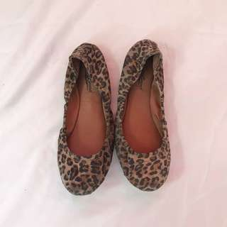 LUCKY BRAND LEOPARD PRINT DOLL SHOES