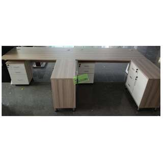 L-TYPE EXECUTIVE TABLE WITH MOBILE PEDESTAL & SIDE DRAWER
