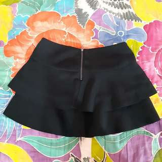 Zara ruffle skirt rok black