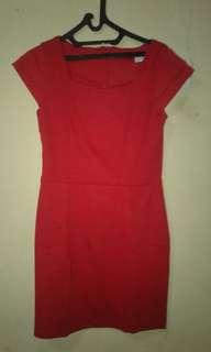 Warna dress merah jreng bro n sis..yuk yang suka warna favoritmu diorder manis😄😄