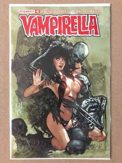 Vampirella #11 Adam Hughes