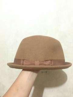 Classic Hat (Light brown)