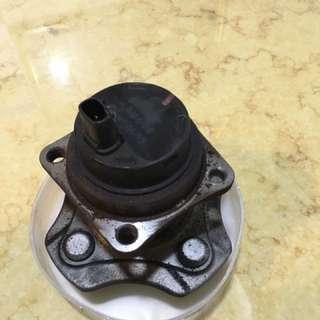 二手TOYOTA 1.6/1.8後輪連座軸承附ABS料件,車輛升級勘品。