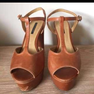 Tony bianco size 7 heels platform