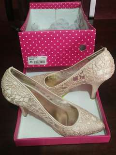 Beige 3.5inches Lace Pumps
