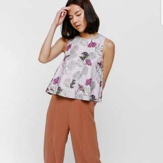 BNWOT Tayen Printed Layer Top