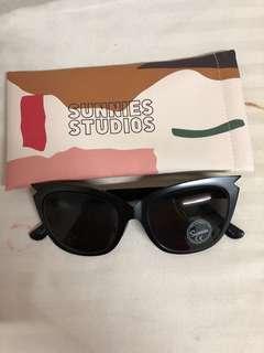 Sunnies Studios Sabrina