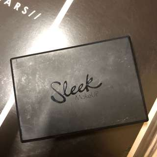 Sleek face contour kit in Medium