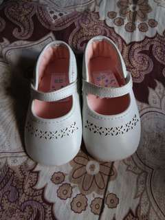 Juniors soft sole shoes for baby girl