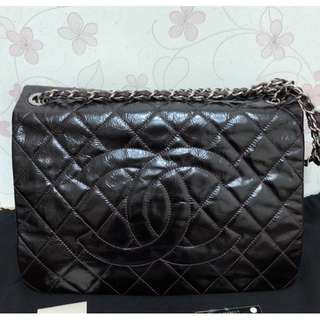 CHANEL black-bordeaux crinkled quilted patent leather CC full flap large bag (#14)