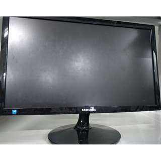 Samsung Syncmaster S20B300B  WITHOUT power cable