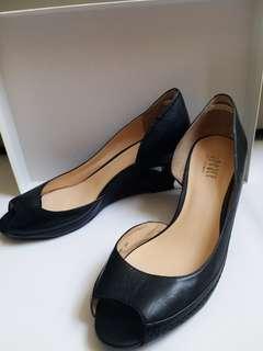Joyce & Peace 黑色真皮高踭鞋