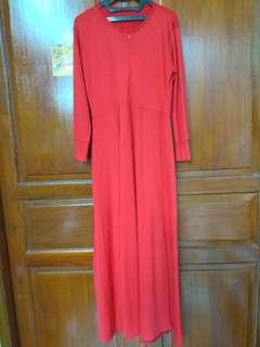 Gamis merah polos kancing jepang