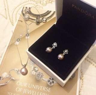 Peral earring