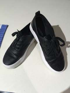 H&M Black Flatform Sneakers