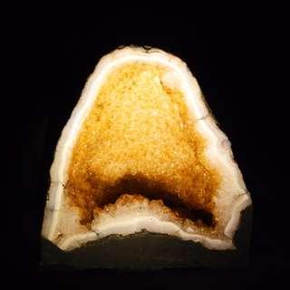 GOLDEN AMETHYST CITRINE CAVE 黄紫金山黄水晶山