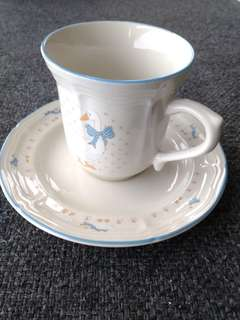Brick oven stoneware cup and saucer 1980s (no box but comes bubble wrapped)