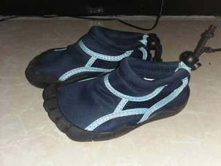 Aqua Shoes ashton  though Kids Size 26