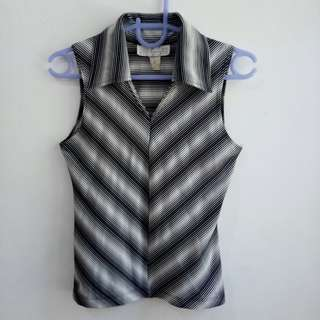 CHARLOTTE RUSSE stripes sleeveless blouse with collar