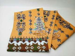 Kain katun batik kuning Coklat