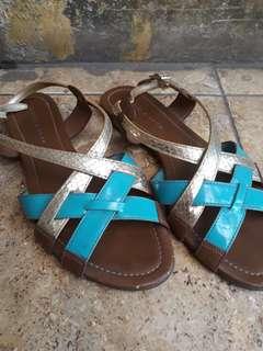 Sandal charles keith ori