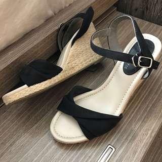 坡跟涼鞋 shoes