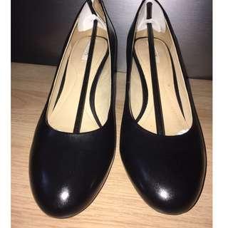 GEOX D MARIELE MID B Size 5 (US)