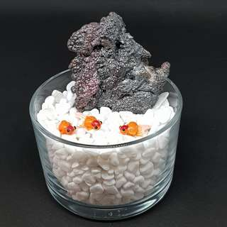 NATURAL RAINBOW LEKLAI STONE / GEOTHITE STONE come with glass container, gold fishes and white pebbles