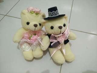 Boneka couple pengantin
