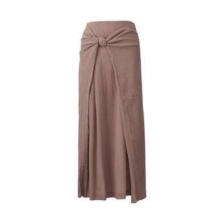 Uniqlo x Hana Tajima Skirt (Blush) Previous Raya Collection