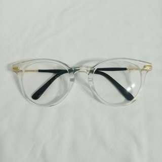 Clear glasses (no grade)