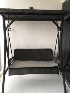Natural Living 3 seater outdoor swing made of best quality wicker/rattan