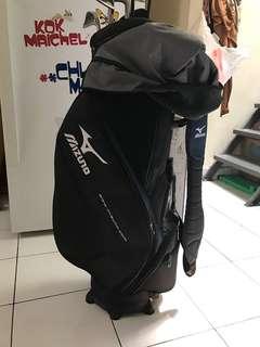 Peralatan golf