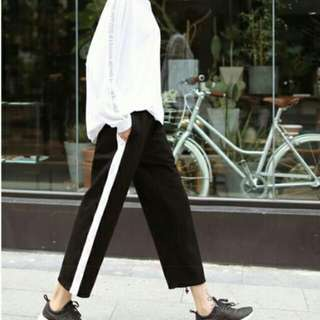 VIRAL BLACK STRIPED PANTS