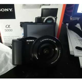 *Price drop* Sony a5000 camera with flip screen