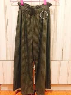 🚚 花苞直條寬褲