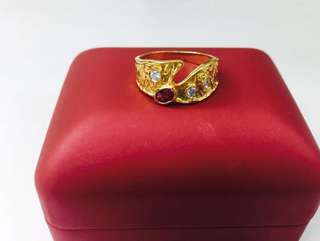 18K YG Red Ruby stone ladies ring