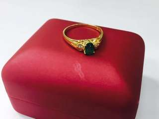 18K Emerald stone ladies ring