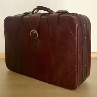 Vintage (old sch) luggage
