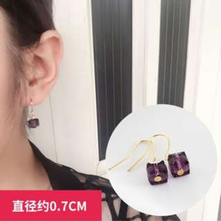 Offer~ ONE pair earrings only RM 3