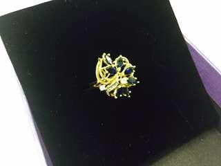 18K YG Blue sapphire ring