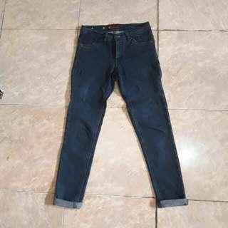Jeans wanita