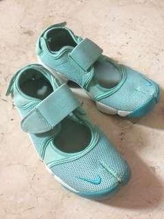 Nike air rift artisan teal size 36.5