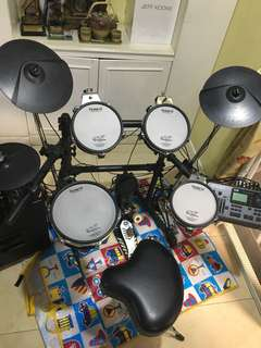 ROLAND TD12V Electronic Drum Set