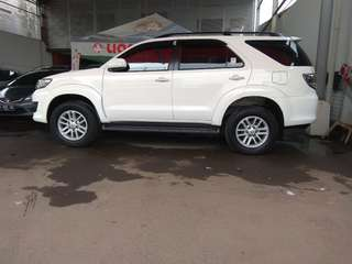 Toyota fortuner g vnt 2013 matic